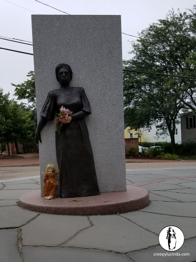 Portsmouth_BlackMemorial_Statue_LG